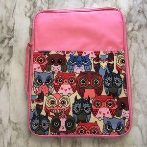 Handbags - Owl Patterned Tablet Holder Bag